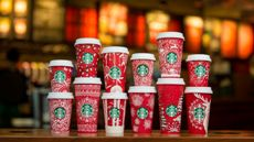 starbucks-red-paper-cups